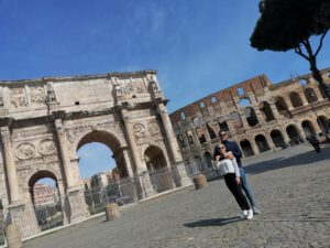 Arco de Constantino y Coliseo Romano